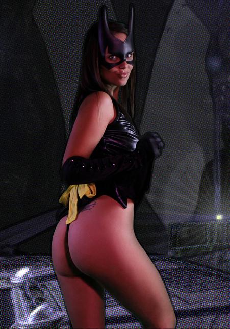 Bailey-Knox-Batgirl-2