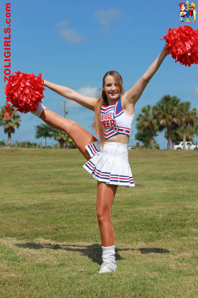 ZoliGirl-Cheerleader-2