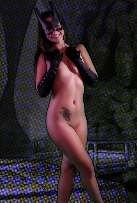 Bailey-Knox-Batgirl-11